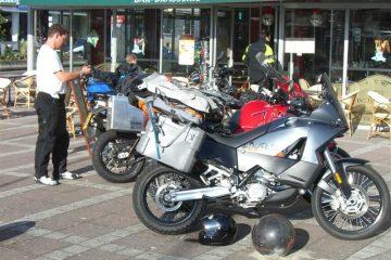 Alps_motobikes_09_3_011__Medium_.JPG