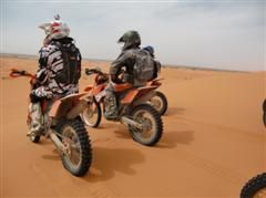 erg chebbi morocco by motorcycle
