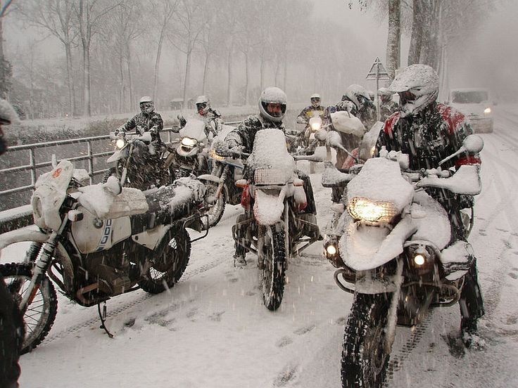 Winter motorcycling gloves
