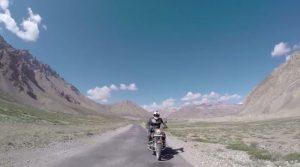 Riding to Khardung La video