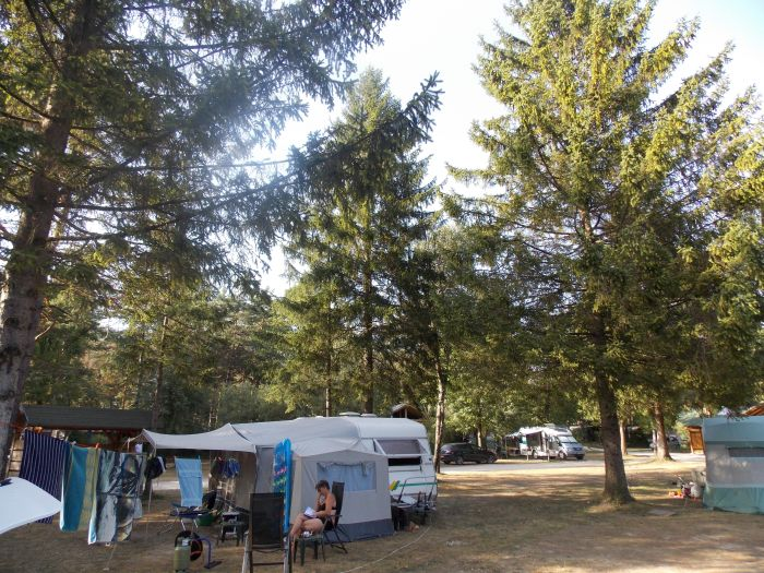 Camping Menina