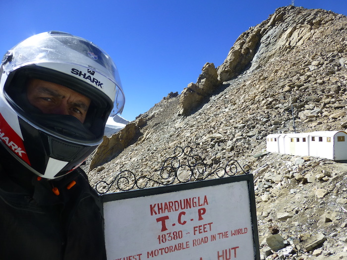 Riding Khardungla