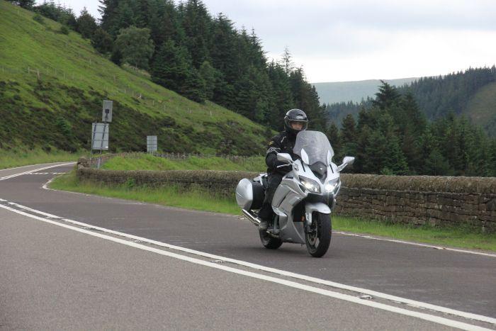 Yamaha-FJR-1300-2016-pic3