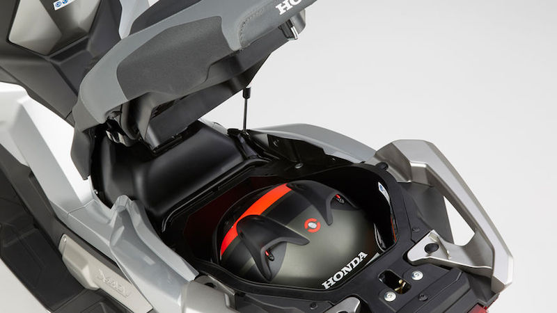 Honda X-ADV Luggage close up