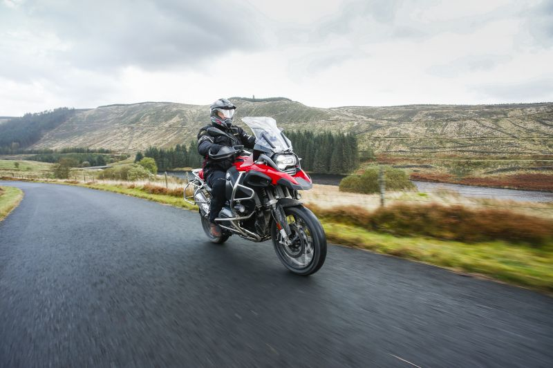BMw R1200 GS Adventure on road