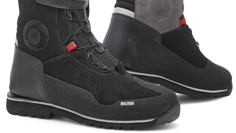 Rev'it Discovery OutDry boots cropped image