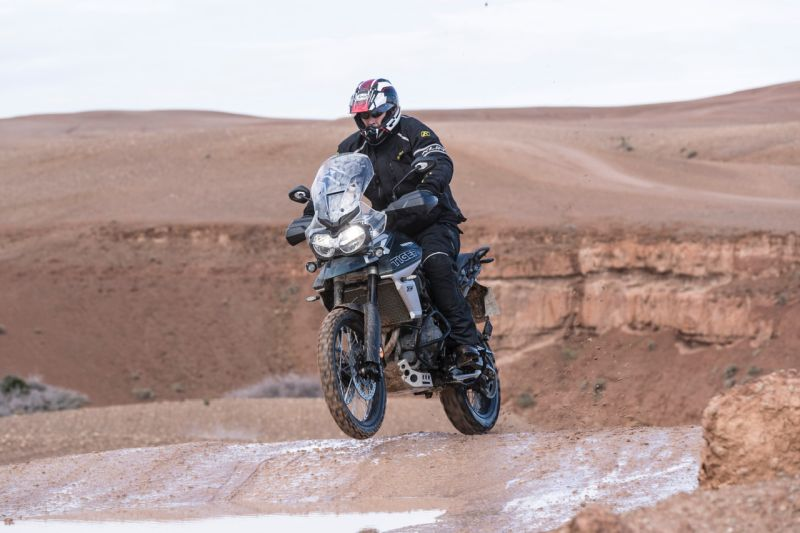 Off-road riding Triumph Tiger 800