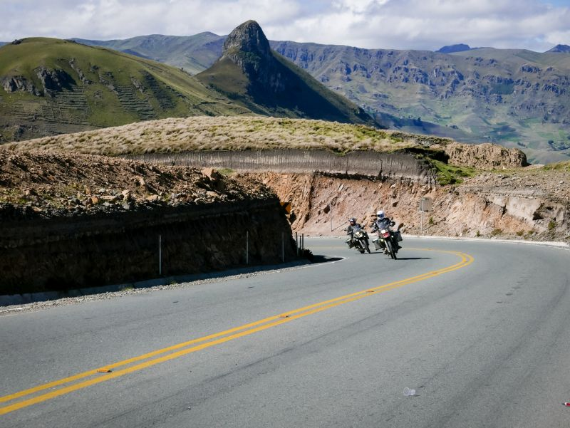 ride in South America - avenida de los volcanes 2