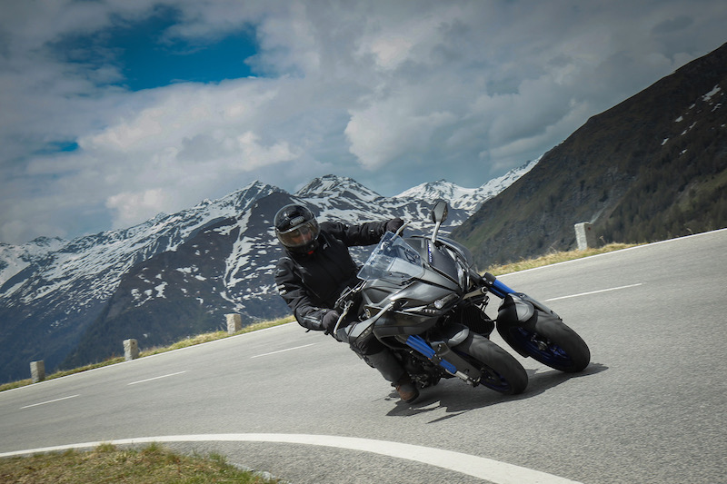 Riding the Yamaha Niken on mountain roads