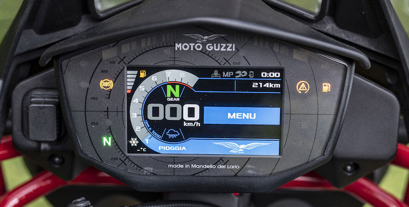 Moto Guzzi V85 screen
