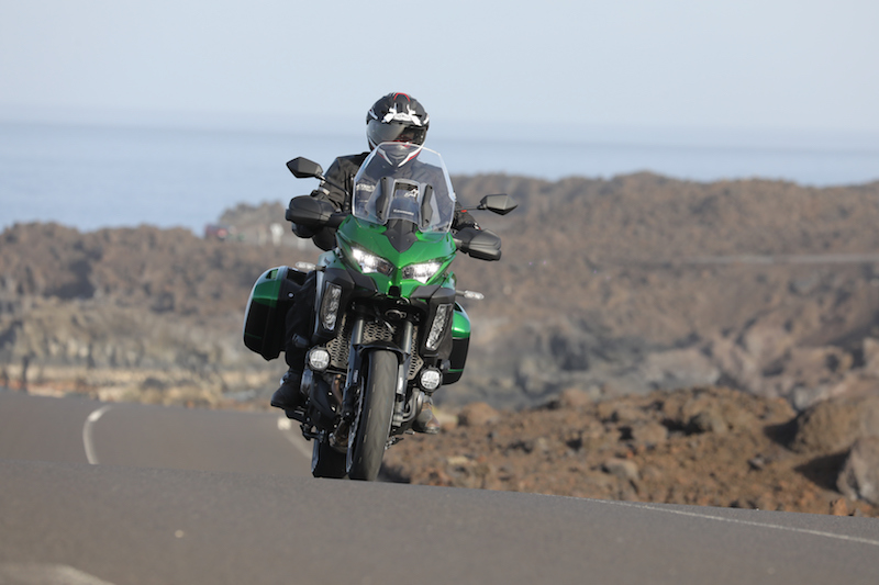 Kawasaki Versys 1000 head on shot