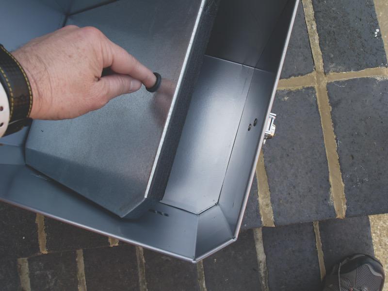 The false bottom on the stahlkoffer aluminium top box