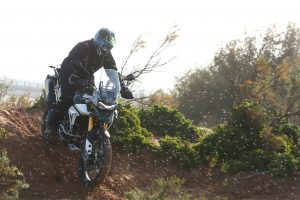 How to tackle steep downhill riding on your motorcycle