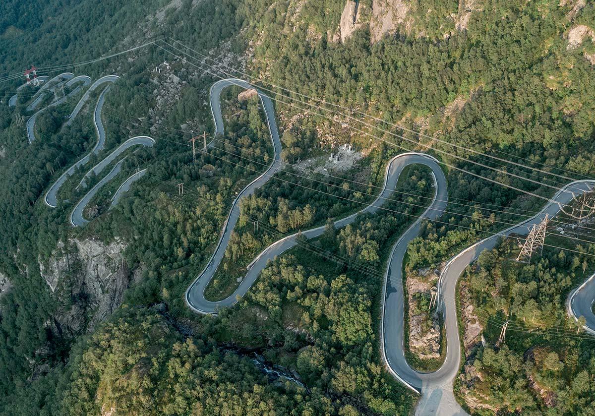 LYSEVEGEN ROAD, NORWAY