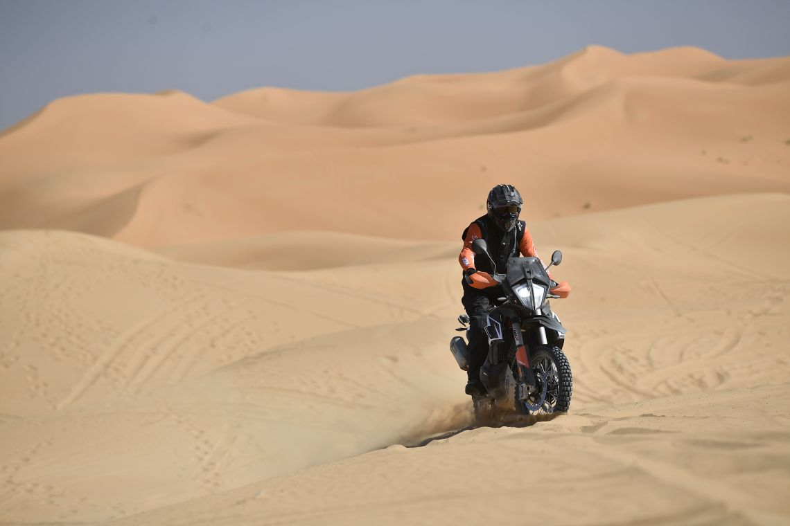 790 R in the sand