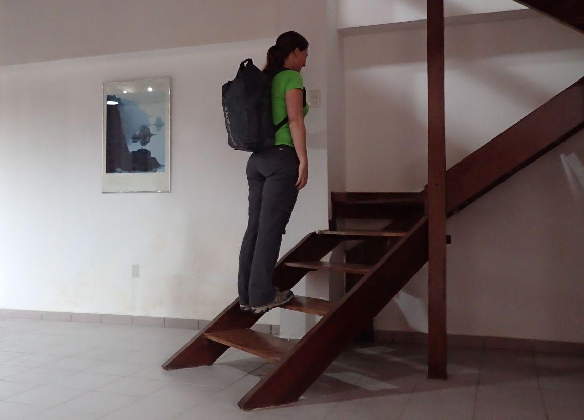 Achilles-Tendinopathy-exercises-double-leg-heel-raise-step-with-bag