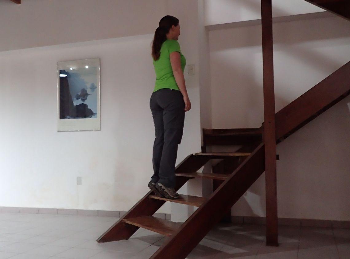 Achilles-Tendinopathy-exercises-double-leg-heel-raise-step