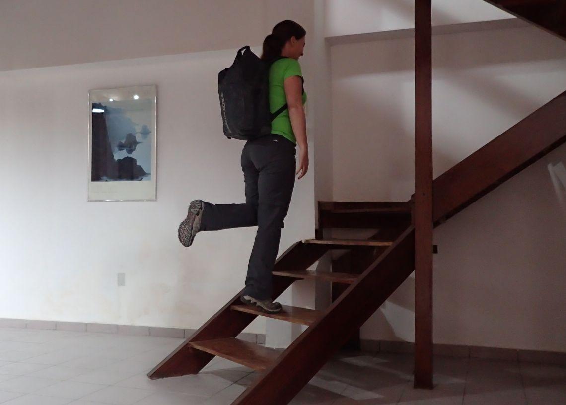 Achilles-Tendinopathy-exercises-single-leg-heel-raise-step-with-bag