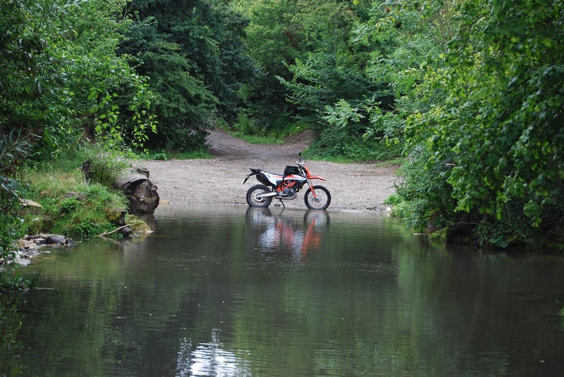Crossing-the-river-avon