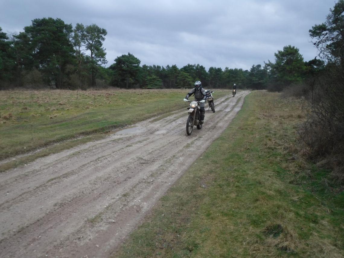 Fast gravel tracks