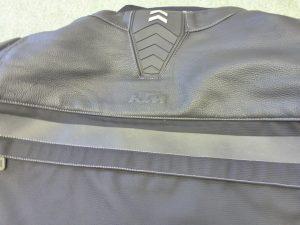 KTM shoulder detail