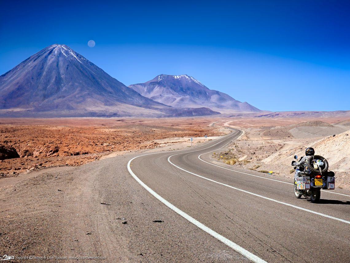 Lisa_Chile_Volcano_road