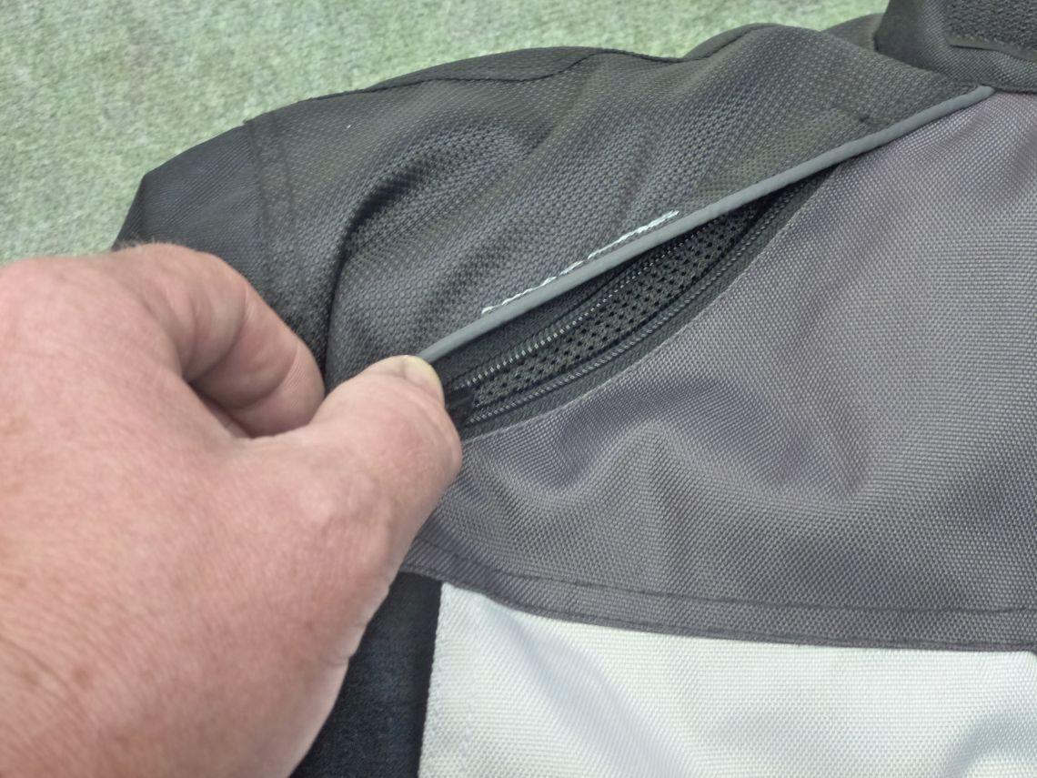 Spada small shoulder vent