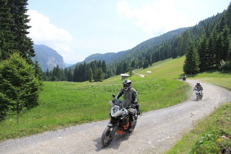 motorcycle-gravel-road-issue-39