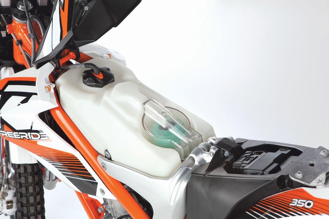 Freeride350_fuel tank