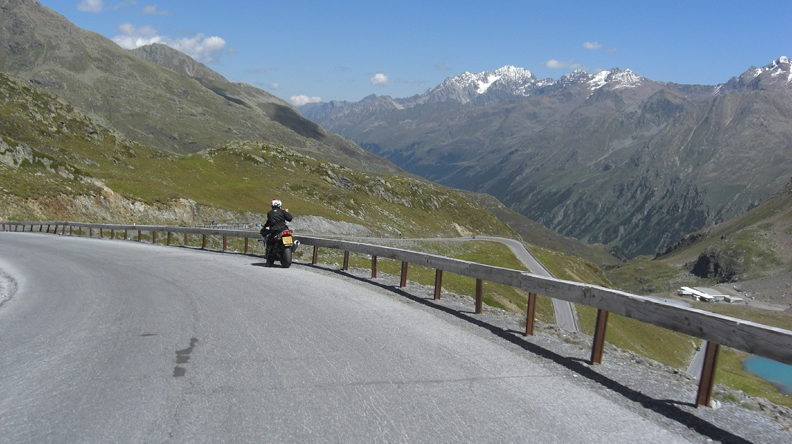 Global Motorcycle tours Freedom of the Alps[2]