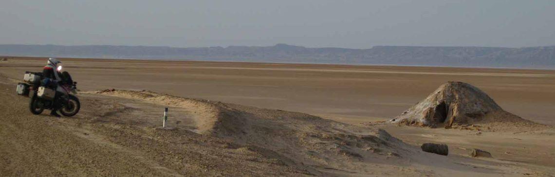 Tunisia-home-sand-desert