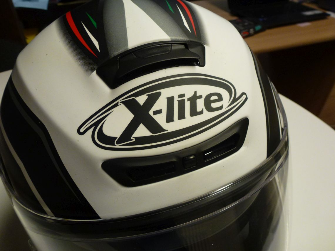 X Lite brow and crown vents