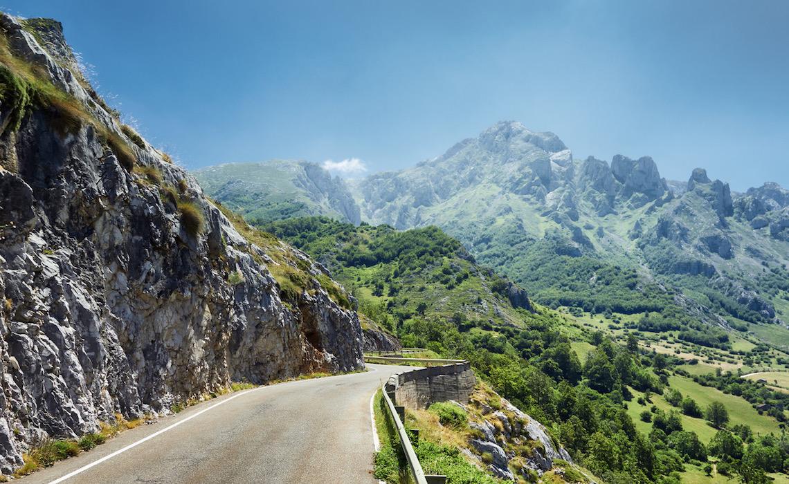 motorcycle routes in northern spain picos de europa