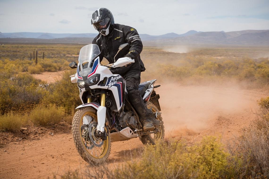 Honda-CRF1000L-AfricaTwin-YM16-1047C