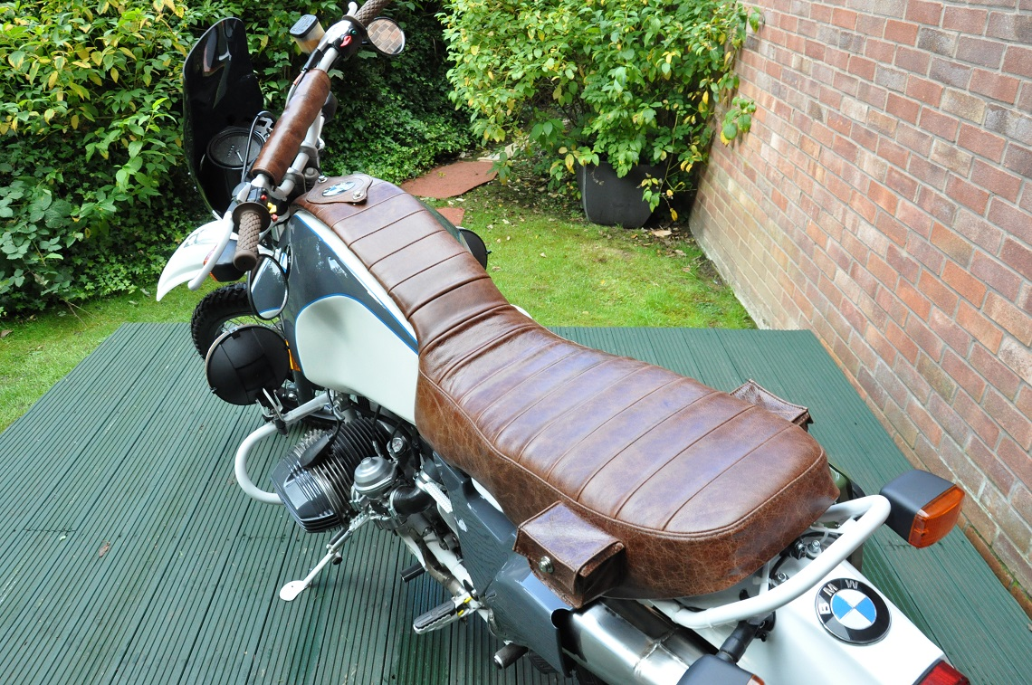 The retro styled custom saddle