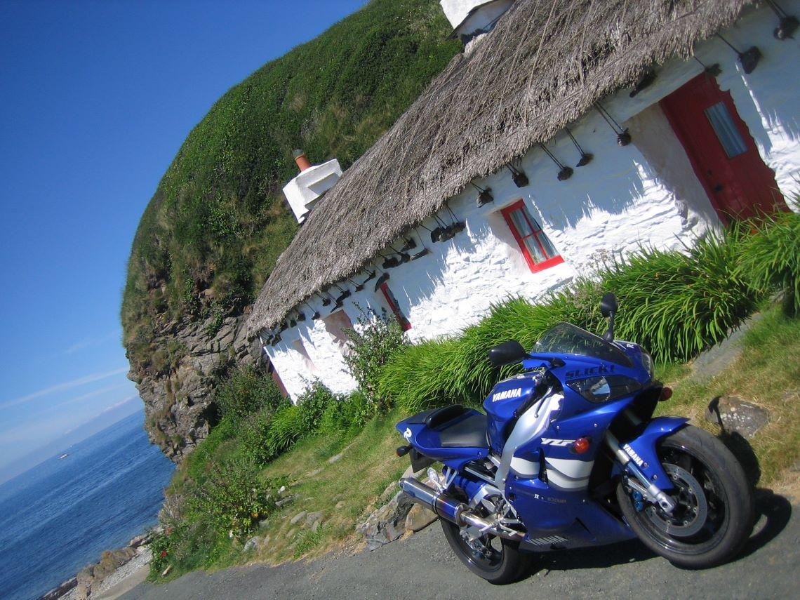 Fishermans-Cottage-and-Bike-Isle-of-Man